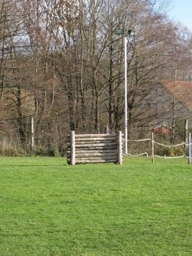 http://www.erdinger-hundeschule.de//images/stories/gelande/small/05-gelaende_0004_klein.jpg